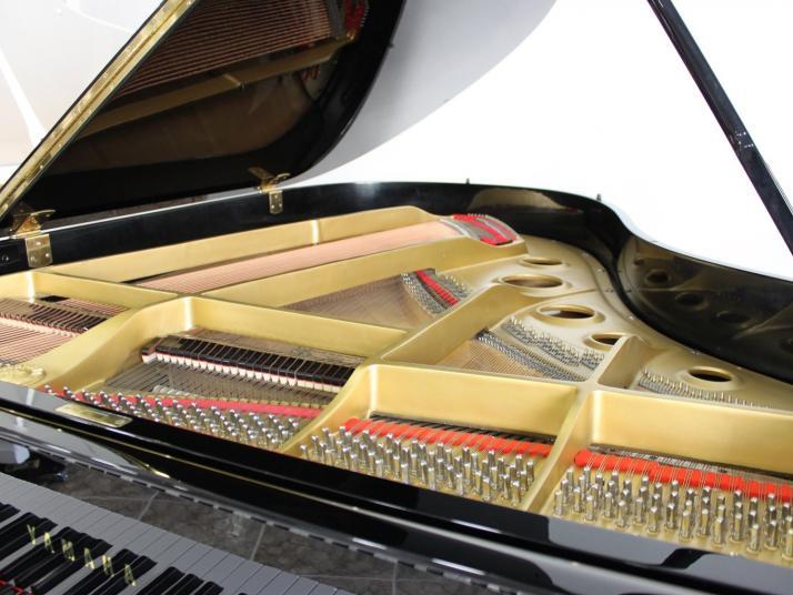 Yamaha C3. Nº serie superior a 1.300.000.