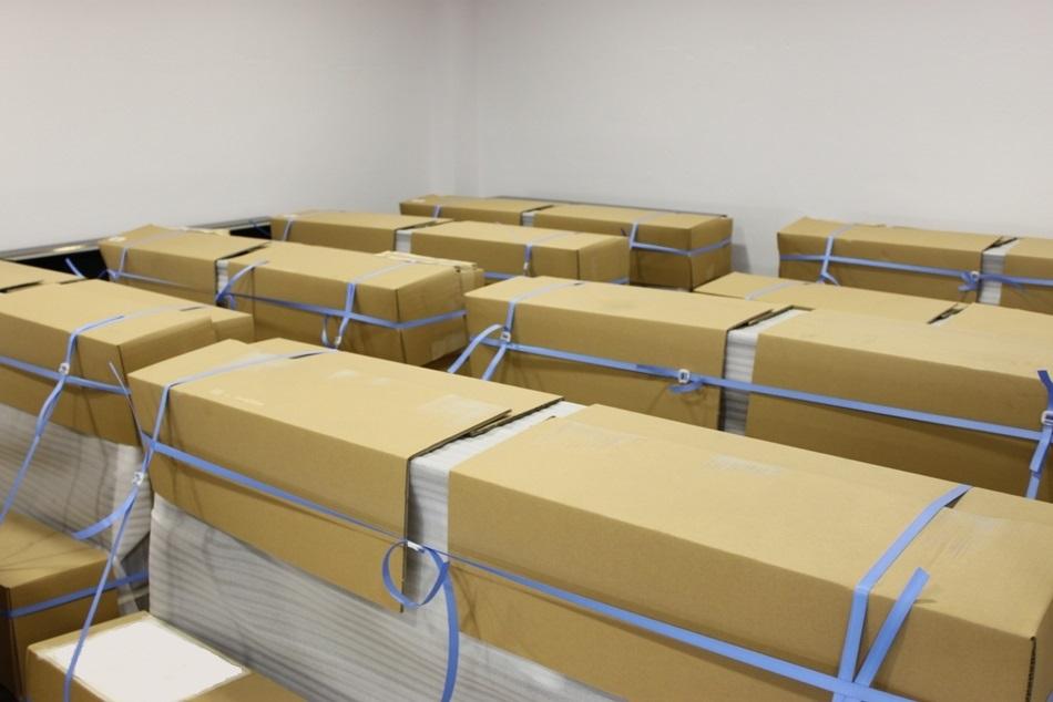 Llegada de 48 pianos renovados a nuestra tienda y almacén.
