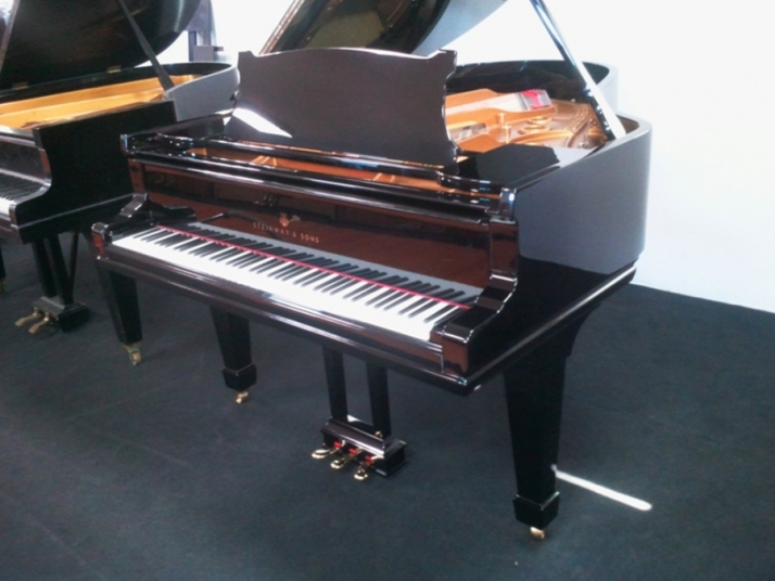 VENDIDO Steinway and Sons A, 188cm.